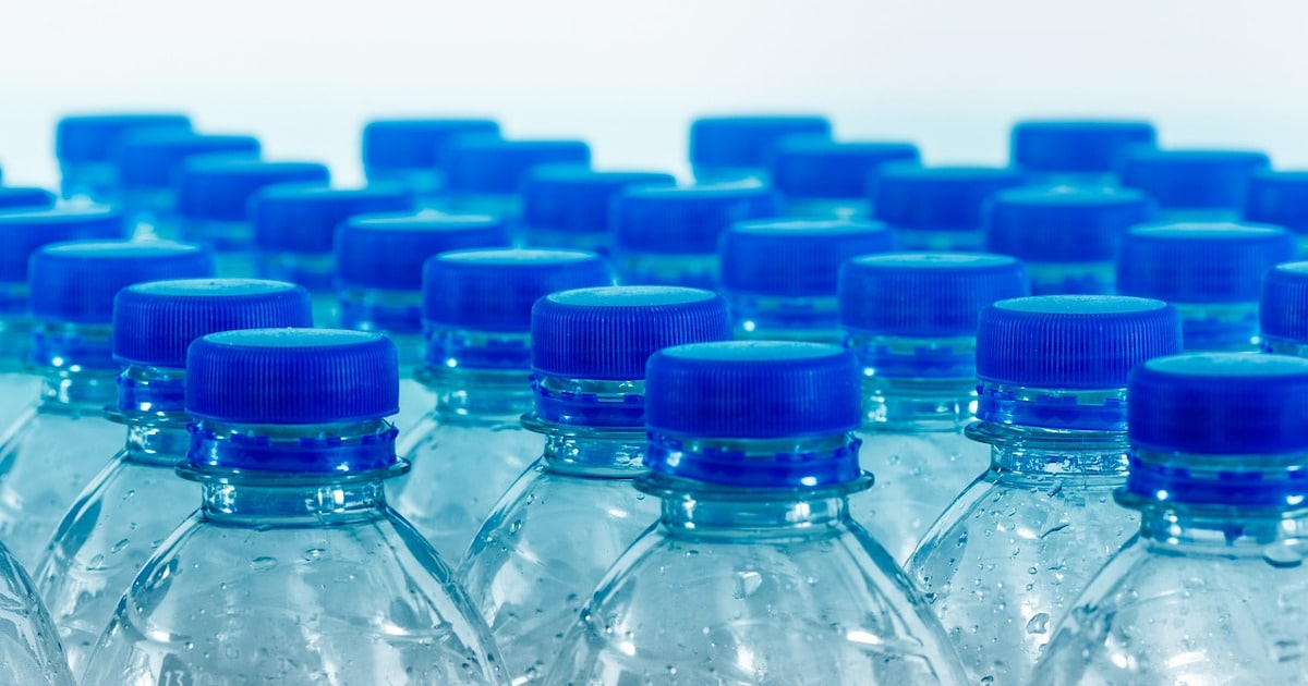 Wie gefährlich sind Plastikflaschen? News-Beitrag von Wassertester Christoph Spirek
